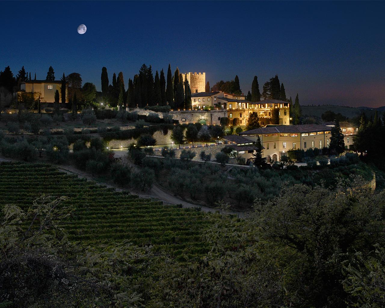 Castello di Verrazzano de noche