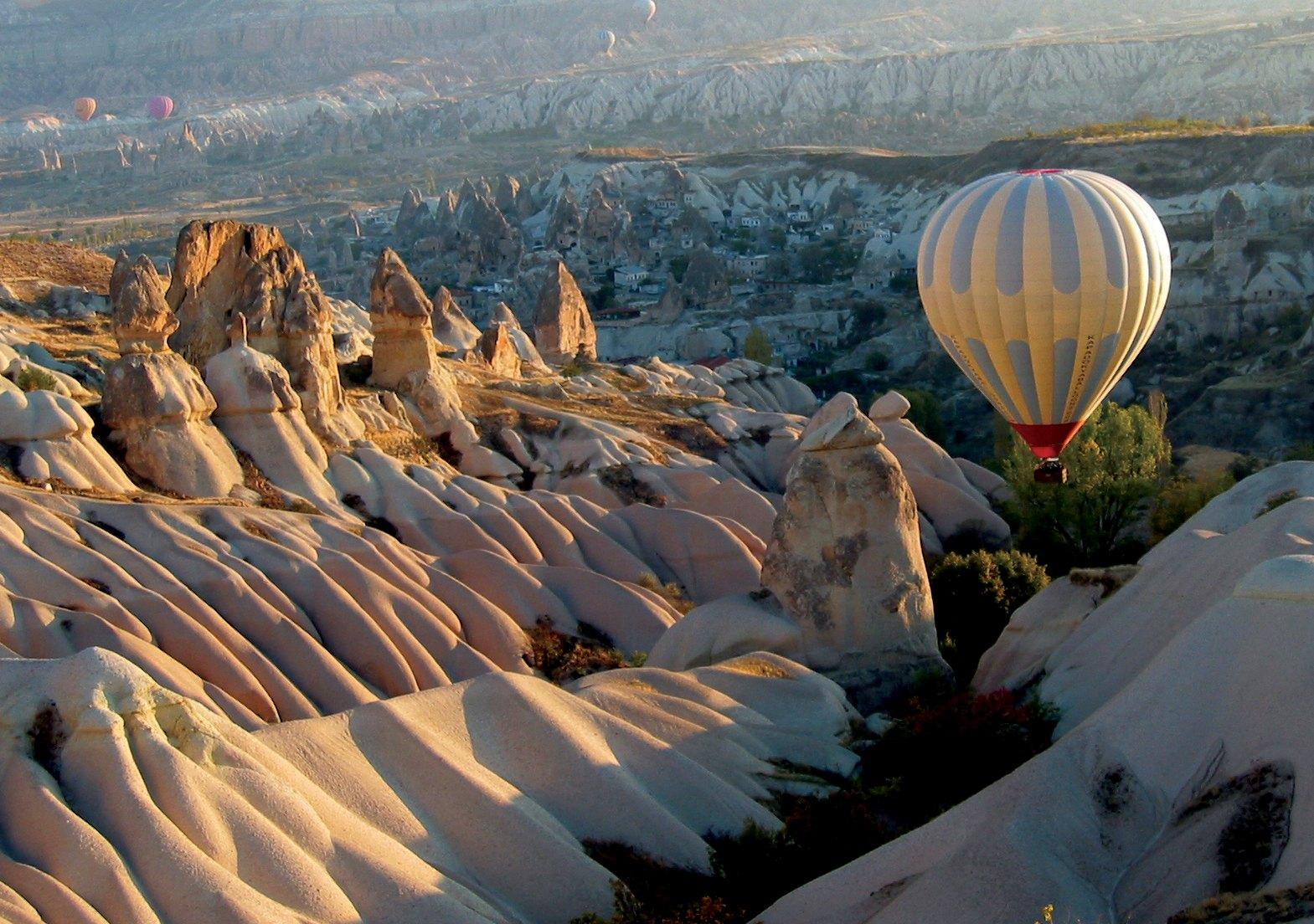 En globo en capadocia, Turquia