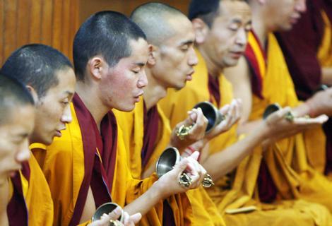 Monjes budistas en el Tíbet