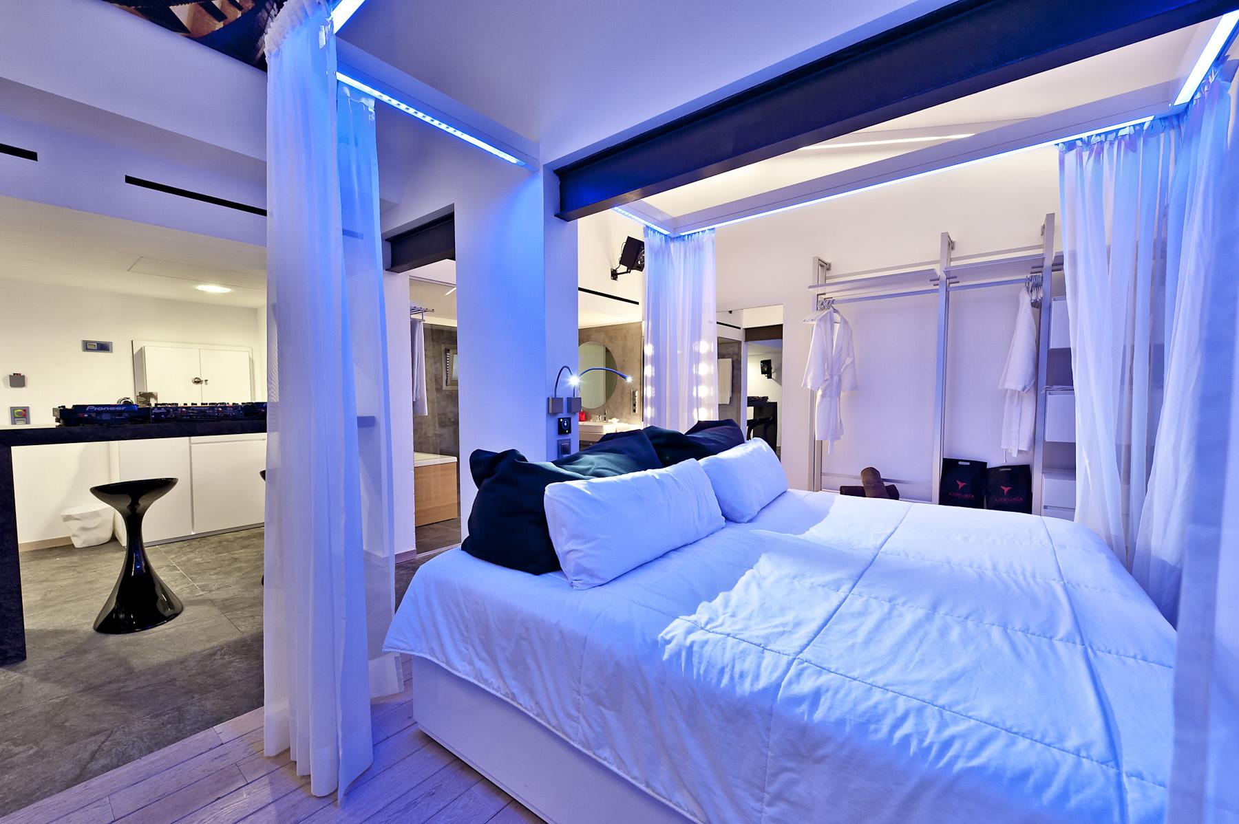 Hard rock hotel ibiza lujo para pocos for Imagenes de habitaciones de hoteles de lujo