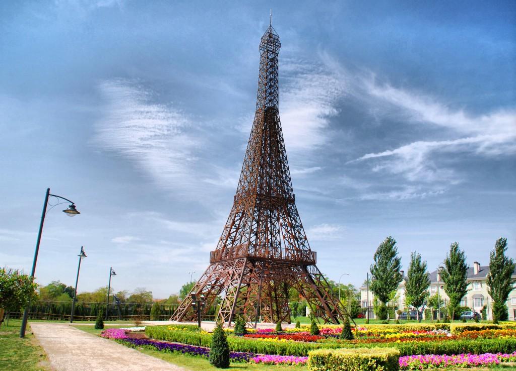 Parque europa, Torre Eiffel