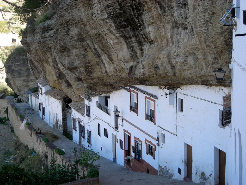 Setenil de las bodegas un pueblo peculiar - Bodegas en sotanos de casas ...