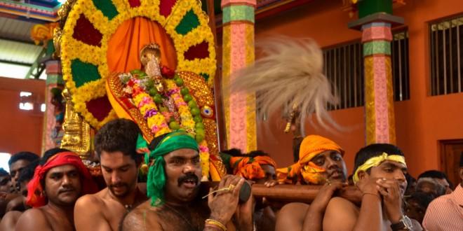 javi en una ceremonia hindu