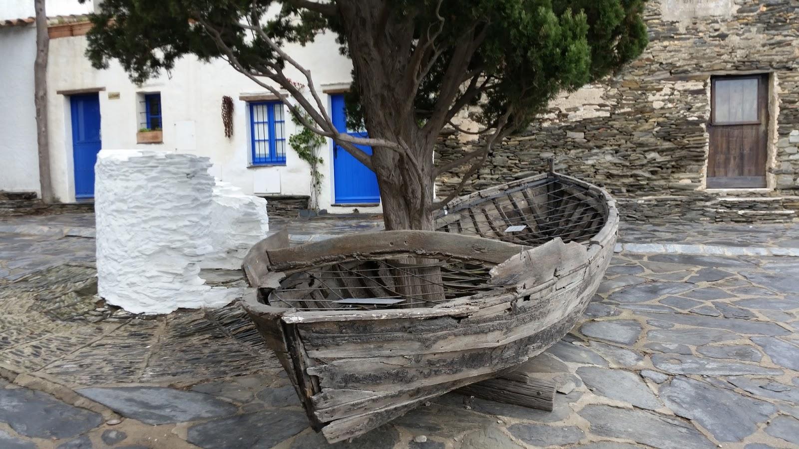La barca y el ciprés