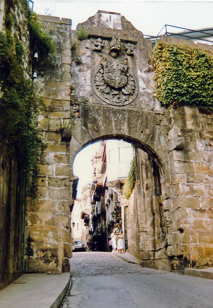 Puerta de Santa María, Hondarribia