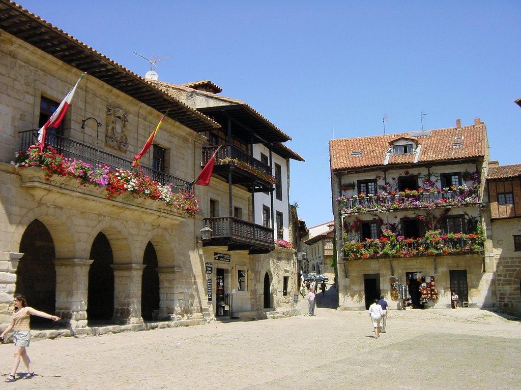 Plaza mayor, Santillana del mar