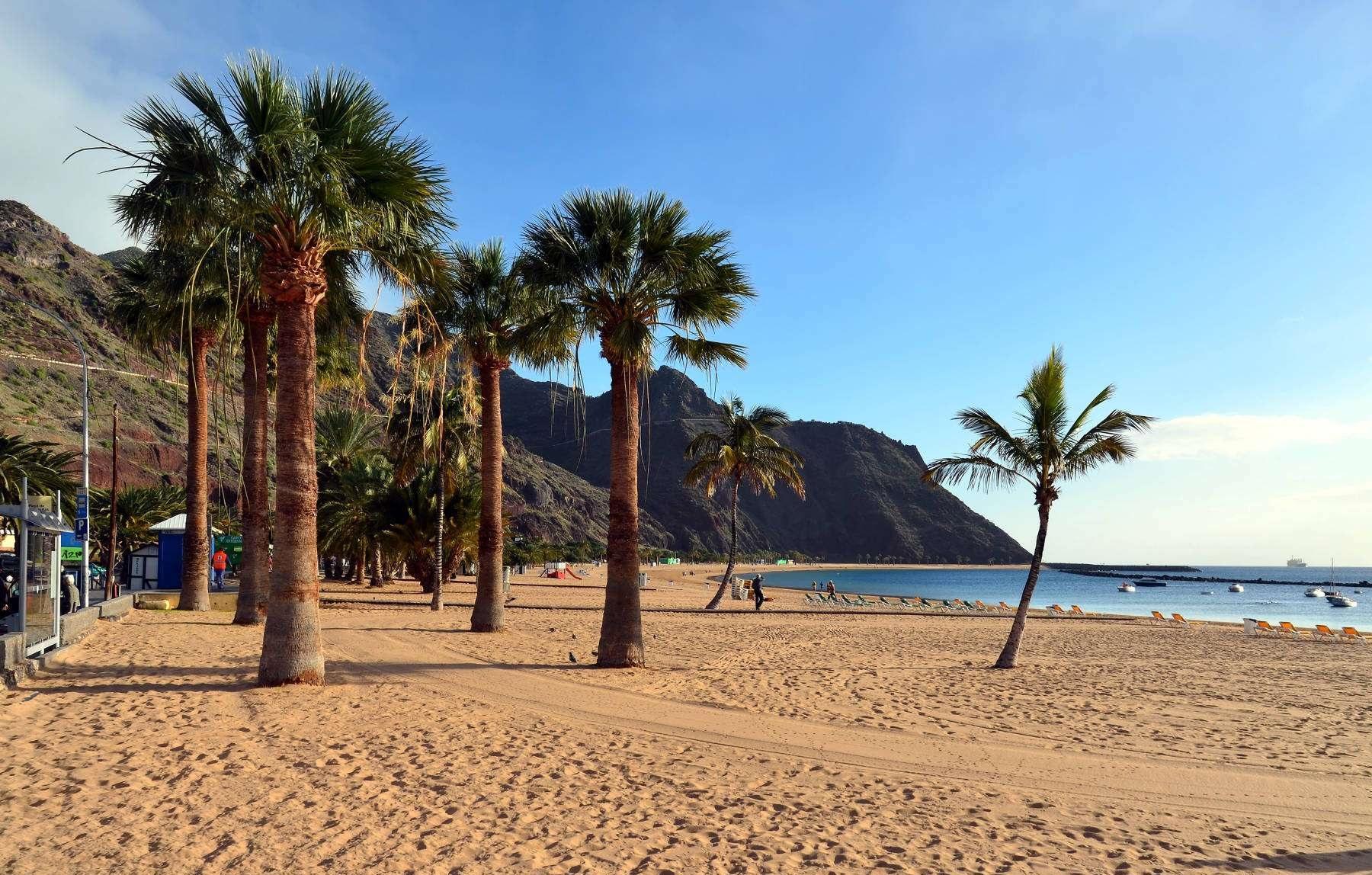 Una vista de la playa de las Teresitas