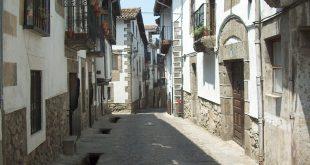 Una calle en Candelario