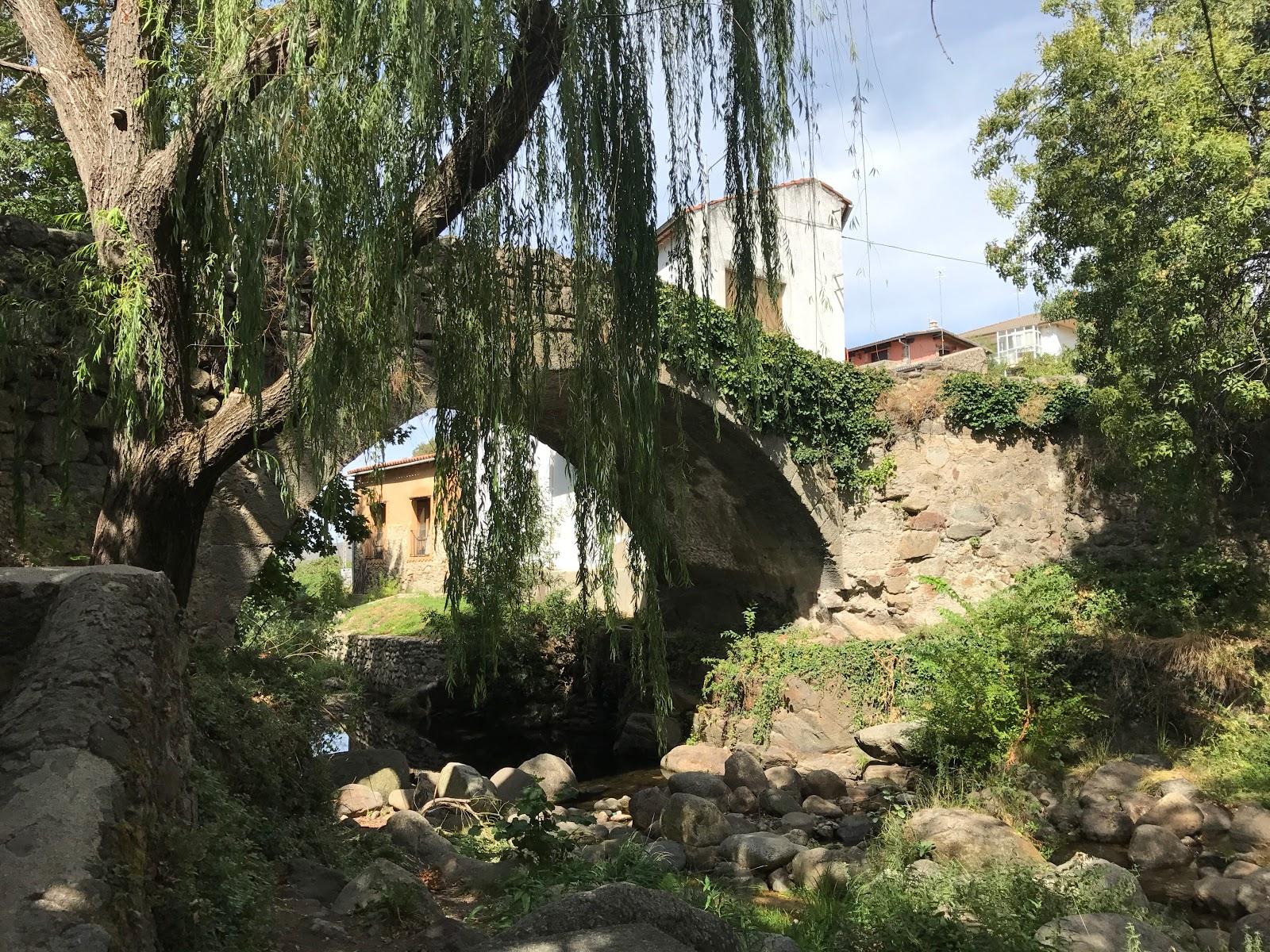 puente de la fuente chiquita hervas